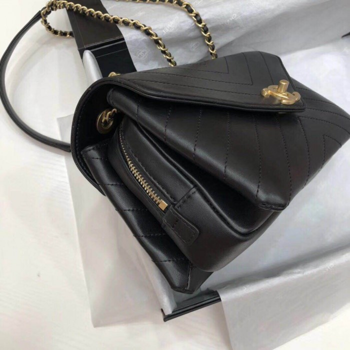 312e6468b5cc Top Quality Calfskin and Gold-Tone Metal Flap Bag