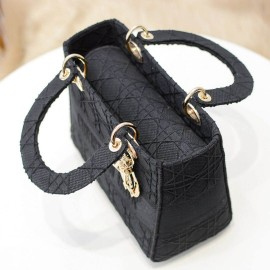D Bags to Women Black Color