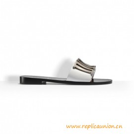 Top Quality Mule Adorned with a Tone Metallic D Logo Slipper
