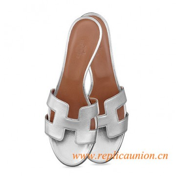 "Oasis Original Ladies' sandal in Laminated Nappa Calfskin 1.9"" Stacked Heel"