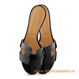"""Oasis Original Ladies' Sandal Black with Black Stitching in Patent Leather 1.9"""" Stacked Heel"""
